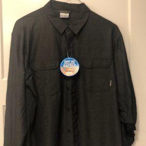 Black men's Columbia shirt